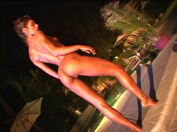 Slut Statue - Porno video.