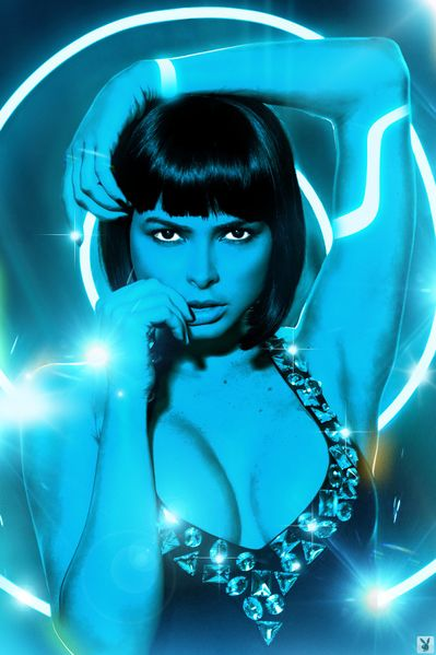 File:574533 - Playboy Quorra Tron Tron Legacy cosplay.jpg