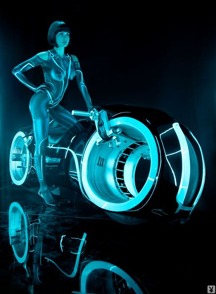 File:574528 - Playboy Quorra Tron Tron Legacy cosplay.jpg